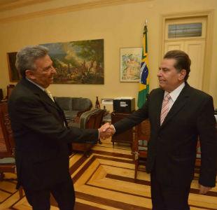 Governador João Lyra, recebendo o prefeito de Caruaru, José Queiroz.
