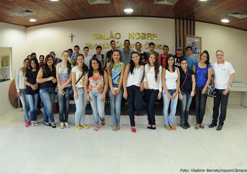 Estudantes do Senac visitam a Câmara