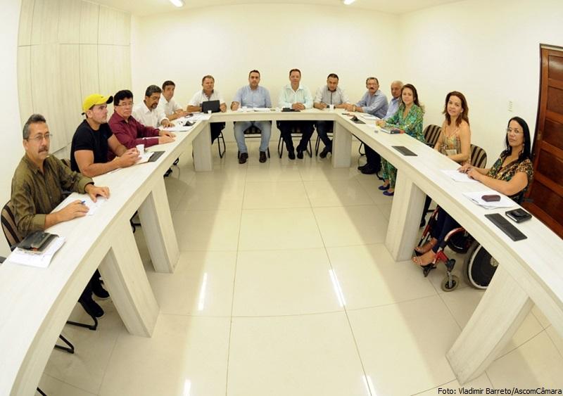 Vereadores debatem padronização com Destra e Sindicato dos Taxistas - Foto Vladimir Barreto - AscomCâmara