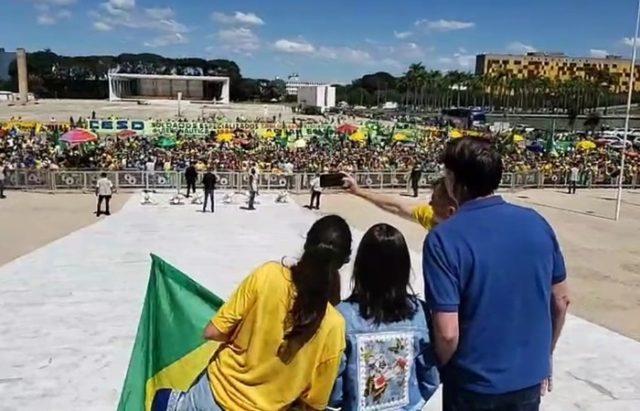 Não vamos admitir interferência', diz Bolsonaro em ato com ...
